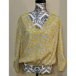 Summer Yellow V Neck Top w/ Flowy Sleeves